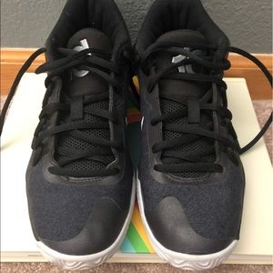 2157ae8ecc Other - Kevin Durant basketball shoes